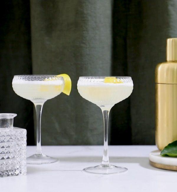 Easy LemonGold<sup>®</sup> Gin Fizz